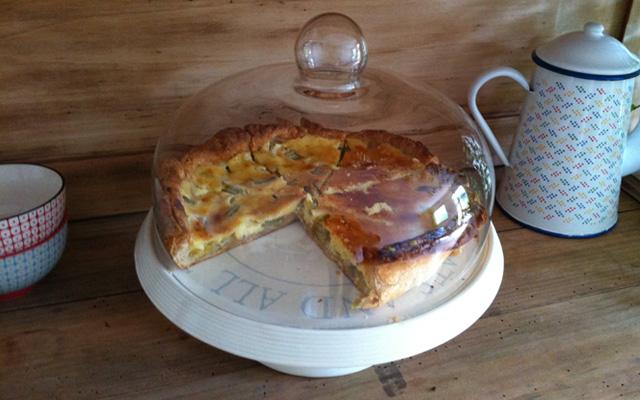 recette de la tarte la rhubarbe blog cuisine. Black Bedroom Furniture Sets. Home Design Ideas