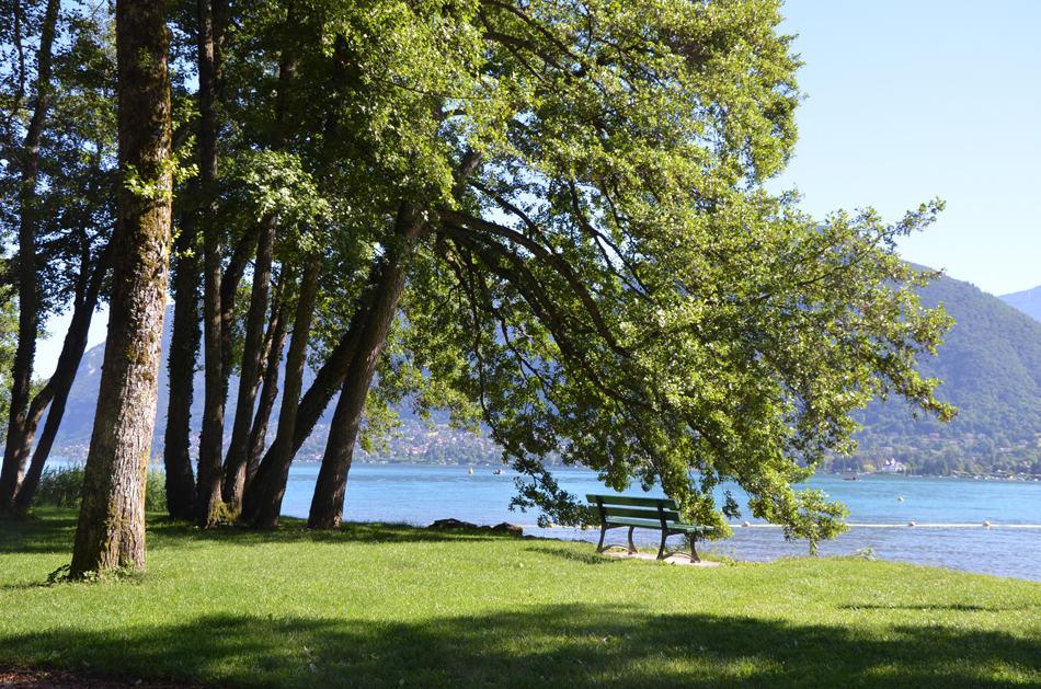 Où se baigner près de Lyon : les bonnes adresses de baignade naturelle : la plage de Saint-Jorioz