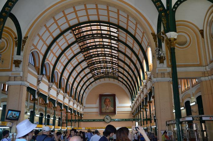 Hô-Chi-Minh-Ville, l'ancienne Saïgon - Poste centrale