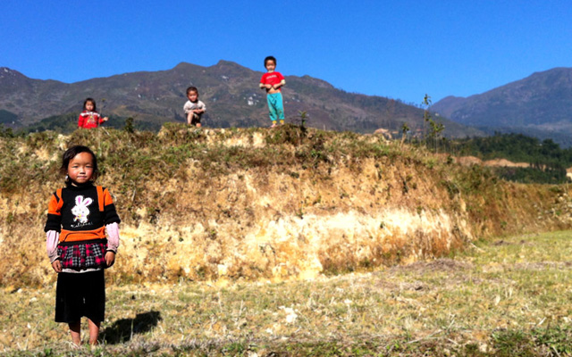Enfants trek sapa vietnam
