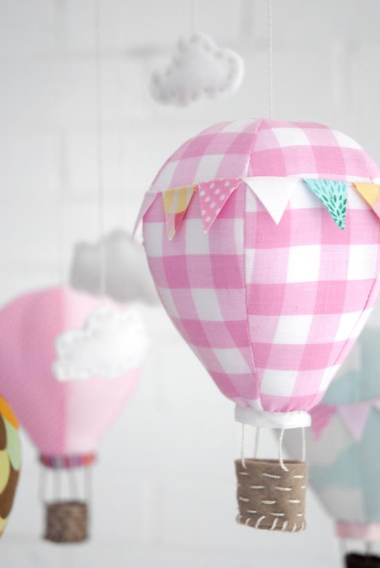 diy un mobile b b montgolfi res blog maman. Black Bedroom Furniture Sets. Home Design Ideas