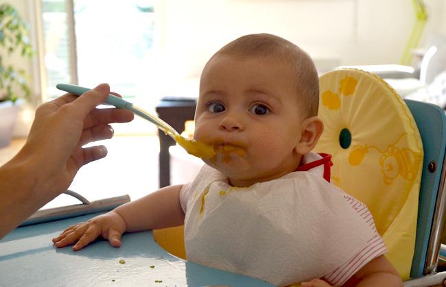 Bébé glouton