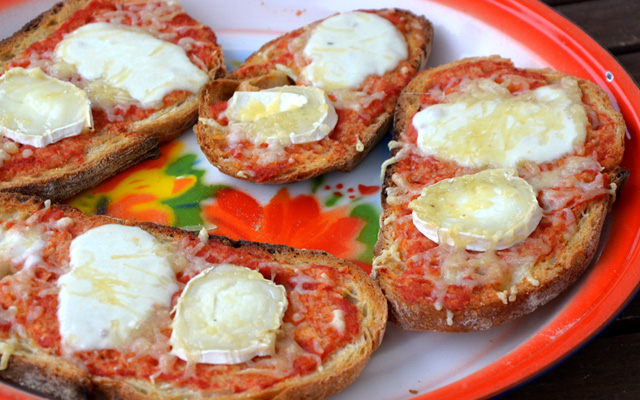 Bruschette aux 3 fromages