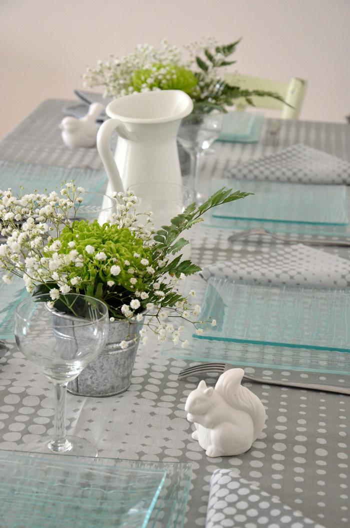 ma d coration de table avec le jacquard fran ais linge. Black Bedroom Furniture Sets. Home Design Ideas