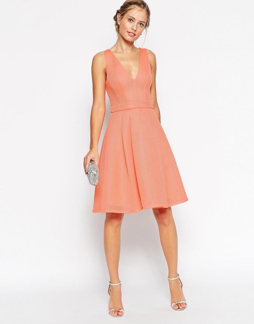 Une robe corail pour ma tenue de demoiselle d 39 honneur for Robe couleur pastel pour mariage