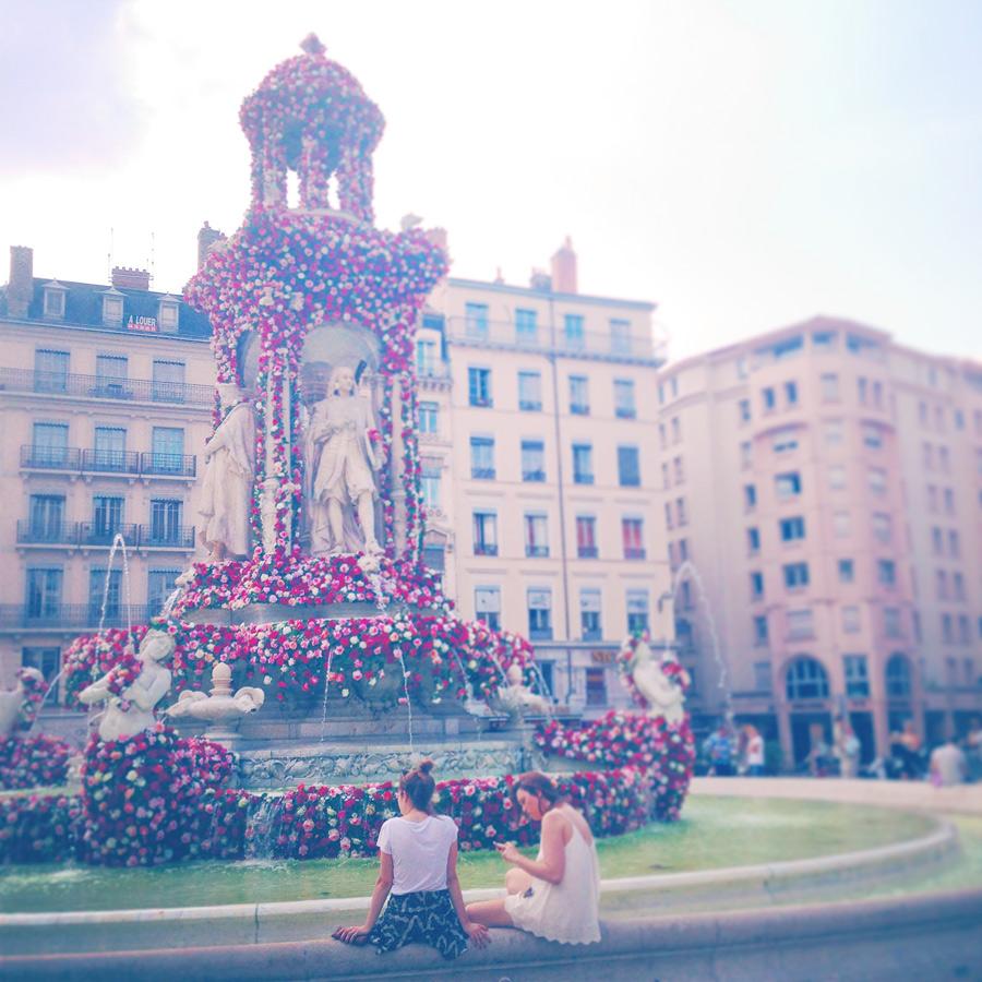Festival des roses à Lyon : place des Jacobins