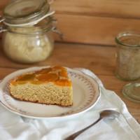 Gâteau moelleux aux abricots au sirop