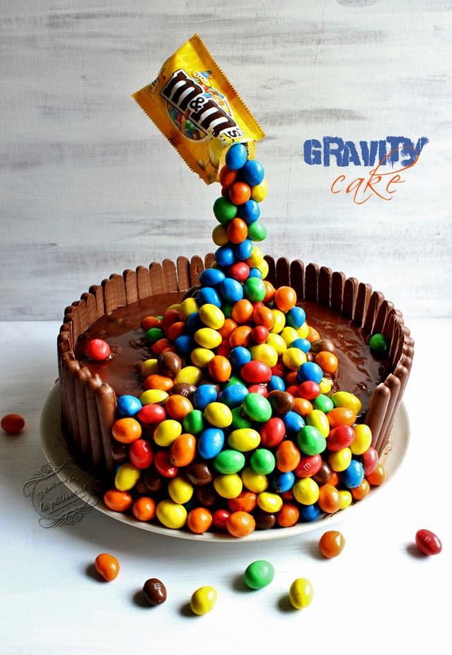Gâteau anniversaire gravity cake
