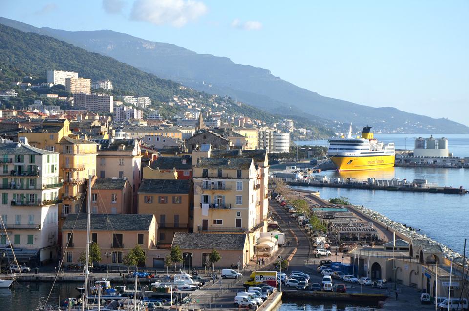 Découvrir Bastia au petit matin
