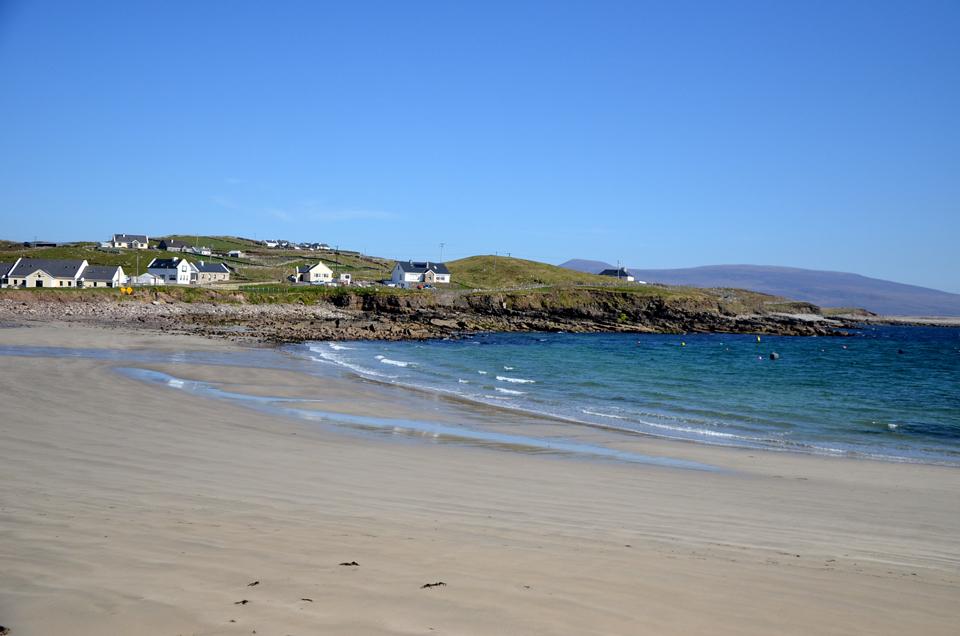 La plage de Clare Island