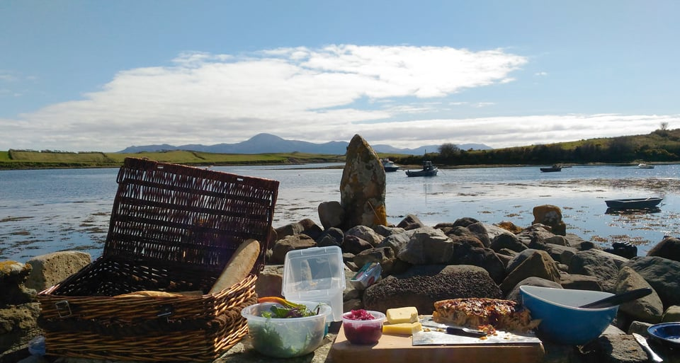 L'Irlande hors des sentiers battus : la Wild Atlantic Way en vélo : un pique-nique champêtre