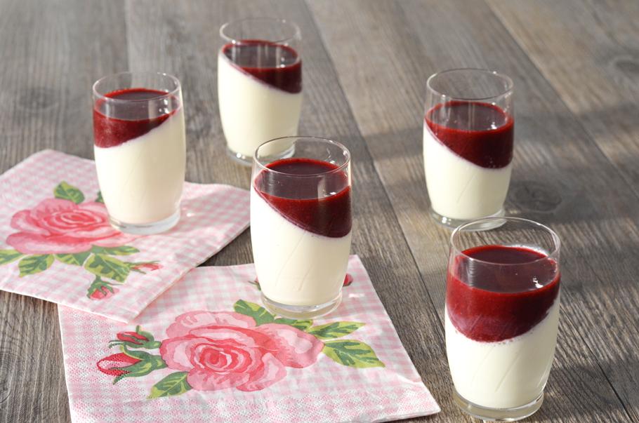 Panna cotta fruits rouges recette