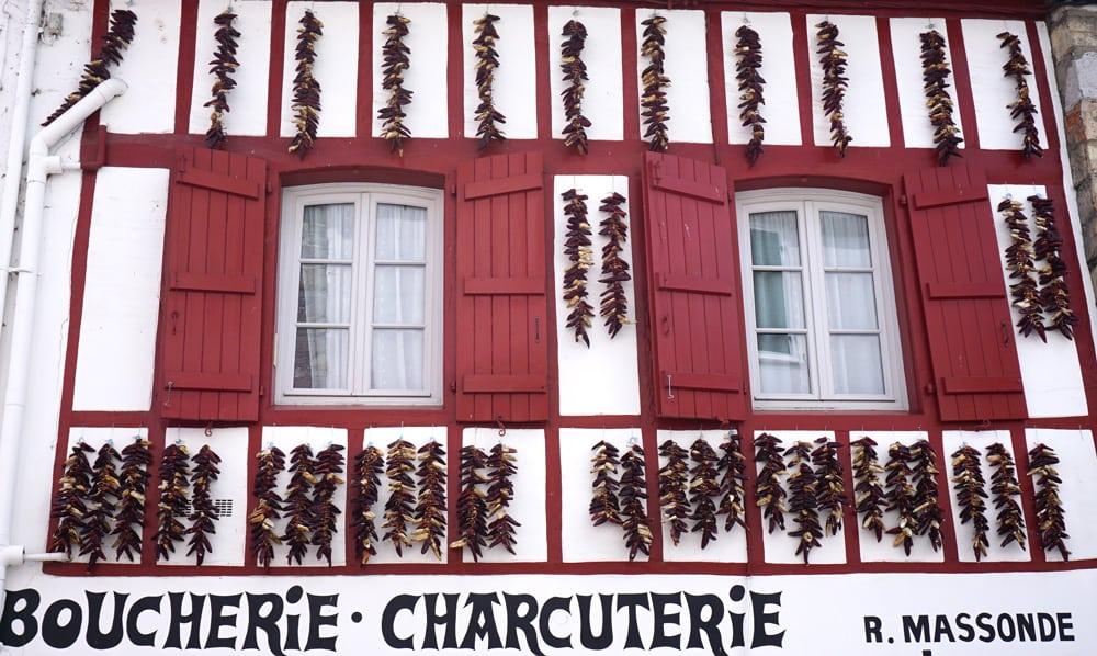 Pays-Basque : Espelette et ses fameux piments