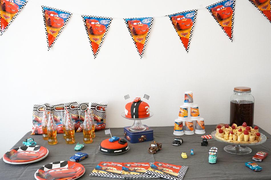 Un goûter d'anniversaire sur le thème Cars Disney - Déco de la sweet table