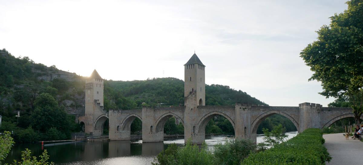 Pont de Valentré à Cahors : le pont du diable