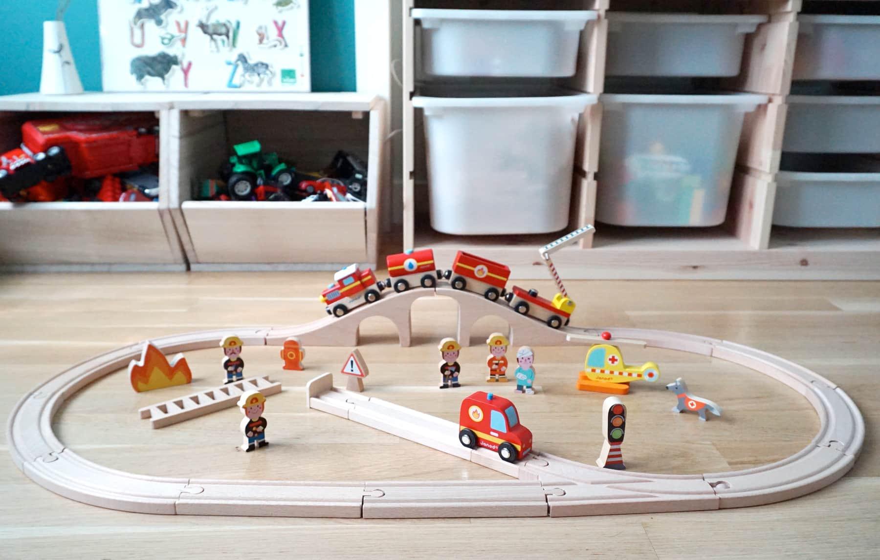 Le train en bois Story Express pompiers Janod