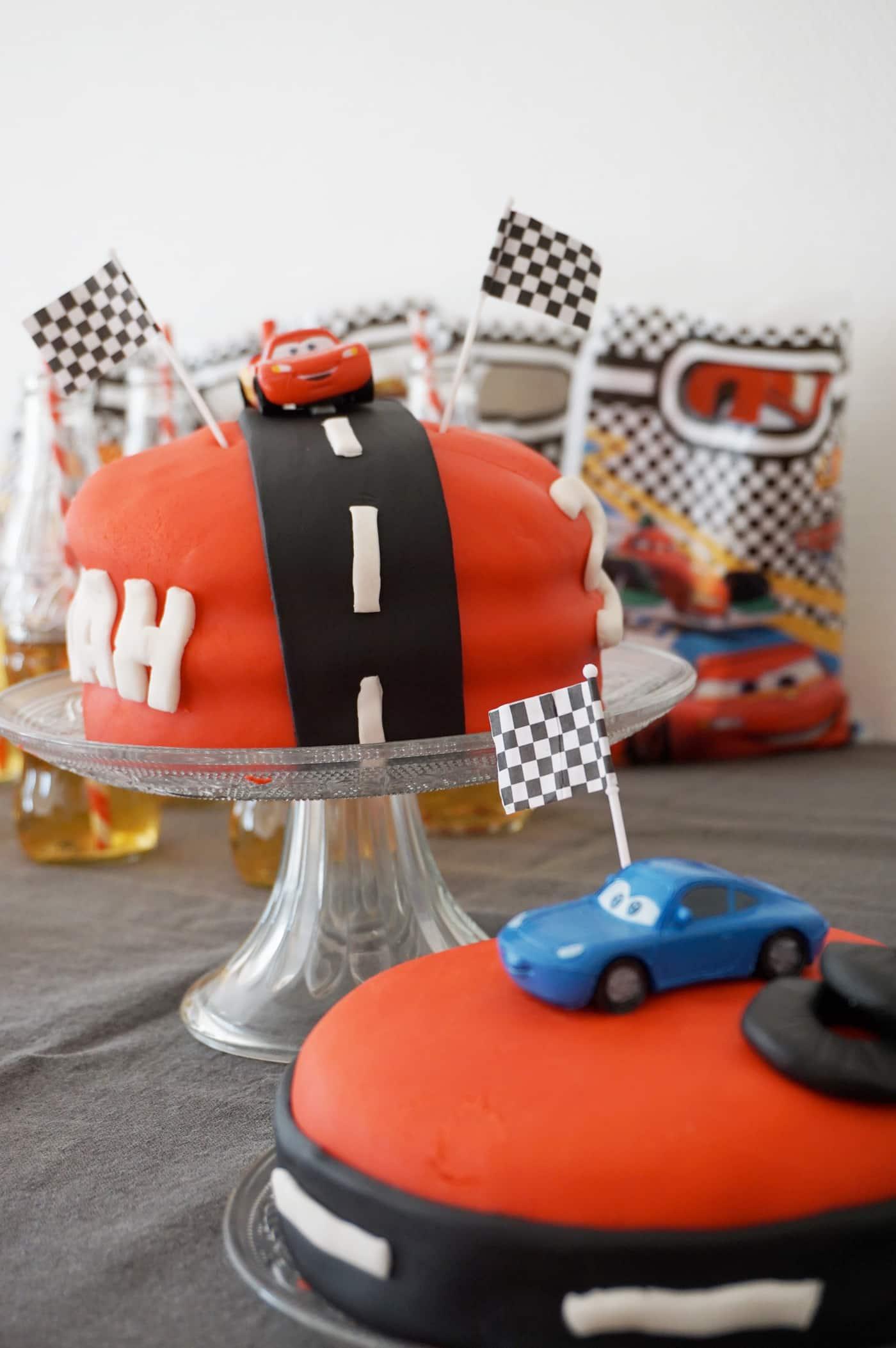 Gâteau d'anniversaire Cars, Flash Mc Queen et Sally : les 3 ans de Noah