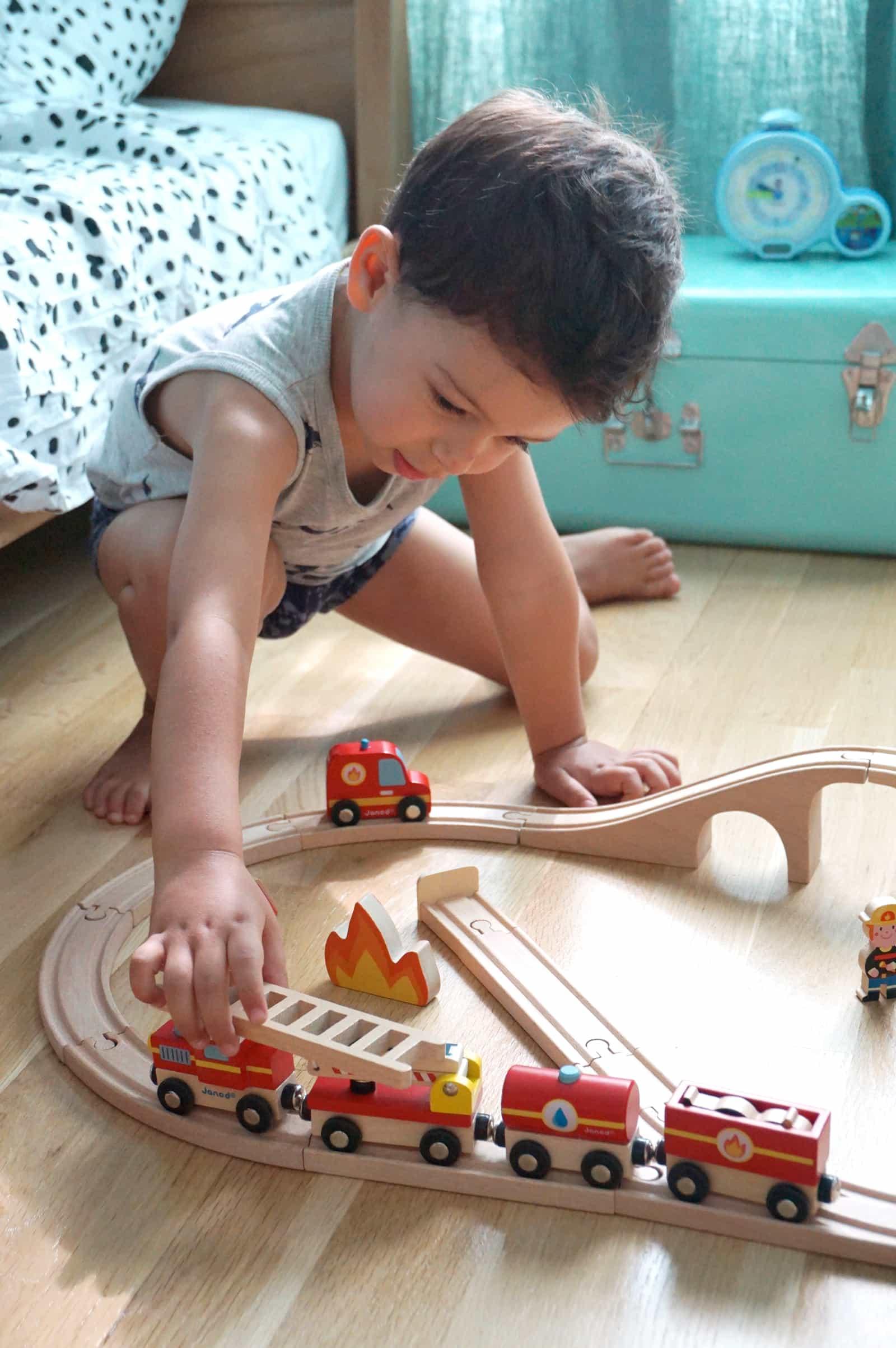 Noah et son petit train en bois Janod