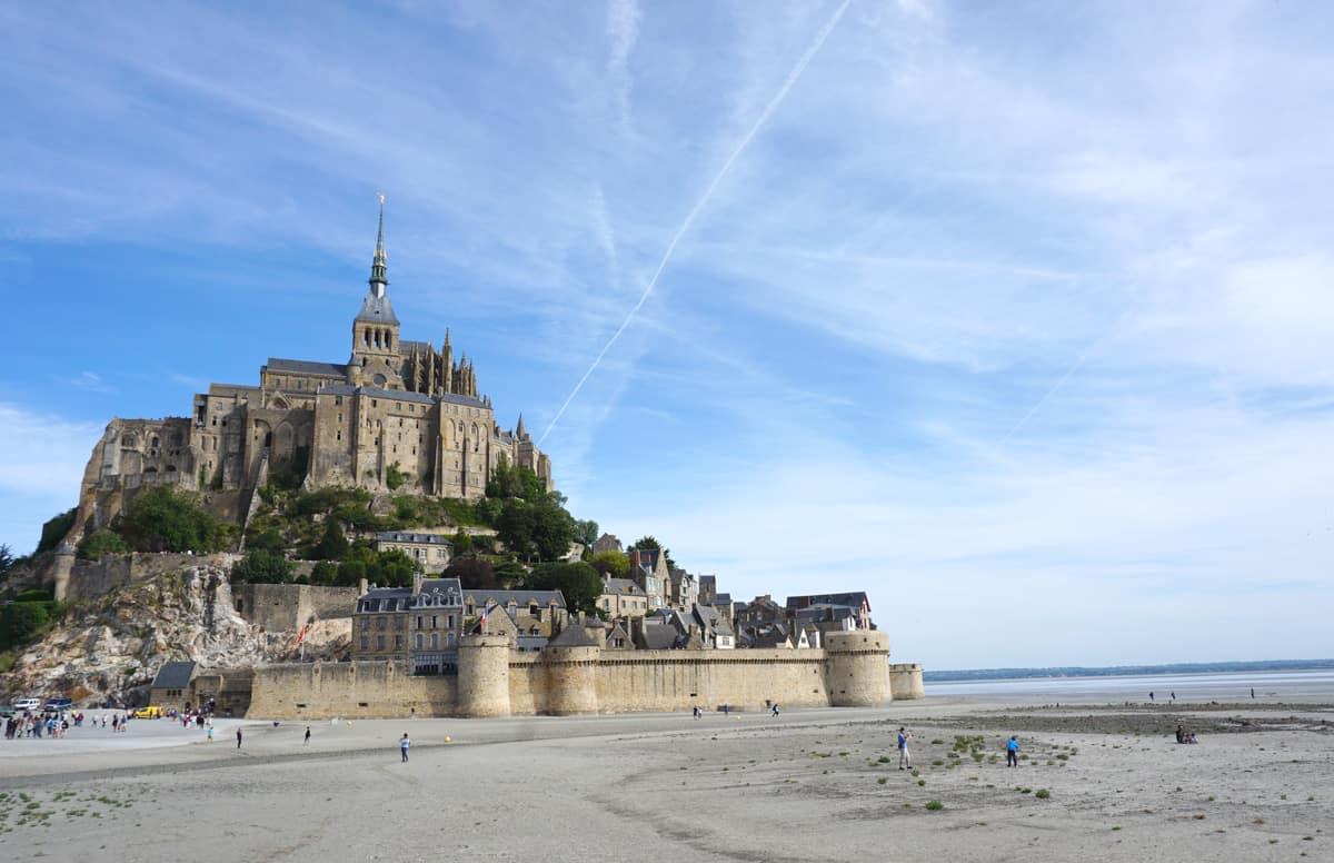Le Mont-Saint-Michel à marée basse