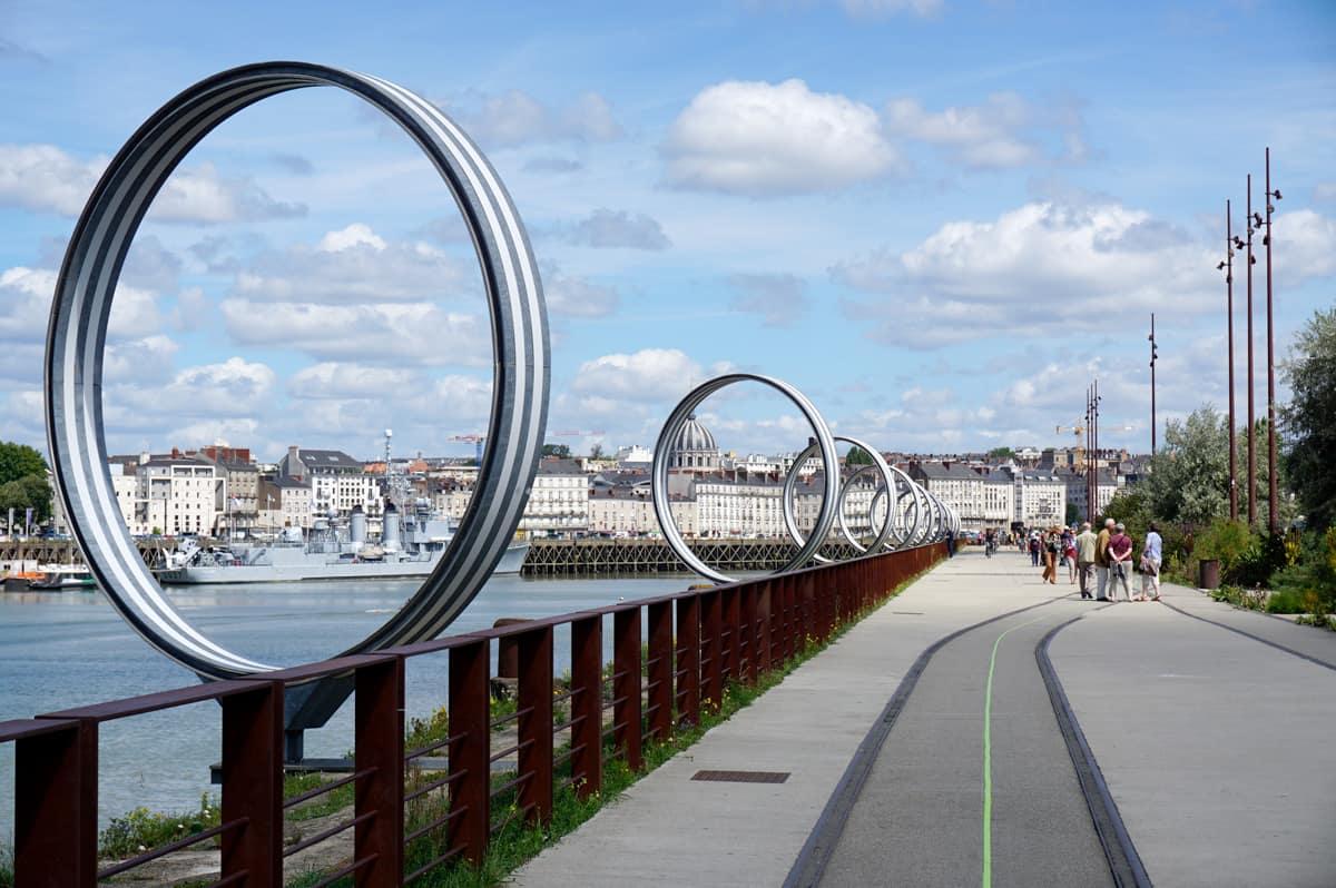 La ligne verte de Nantes sur le quai des Antilles