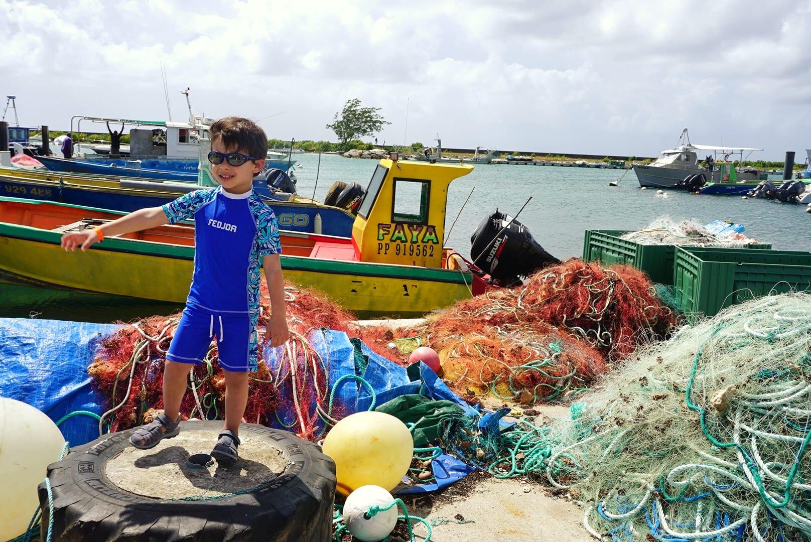 Voyage en Guadeloupe : acheter du poisson au port de pêche de Saint-François