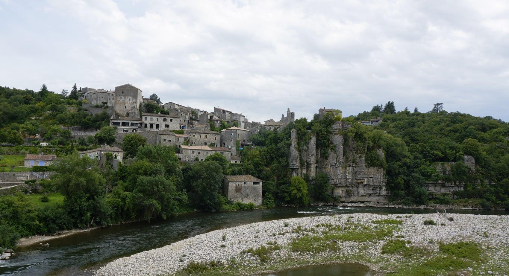 Balazuc en Ardèche, un des plus beaux villages de France