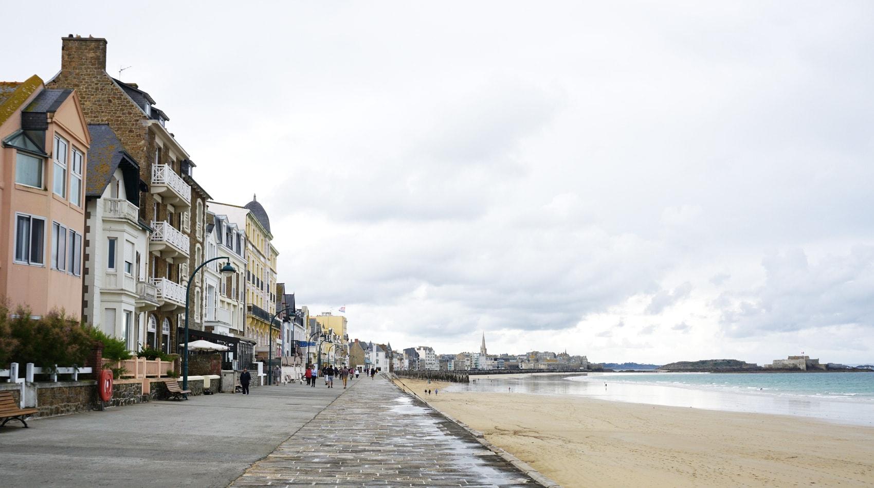 La digue de Rochebonne à Saint-Malo