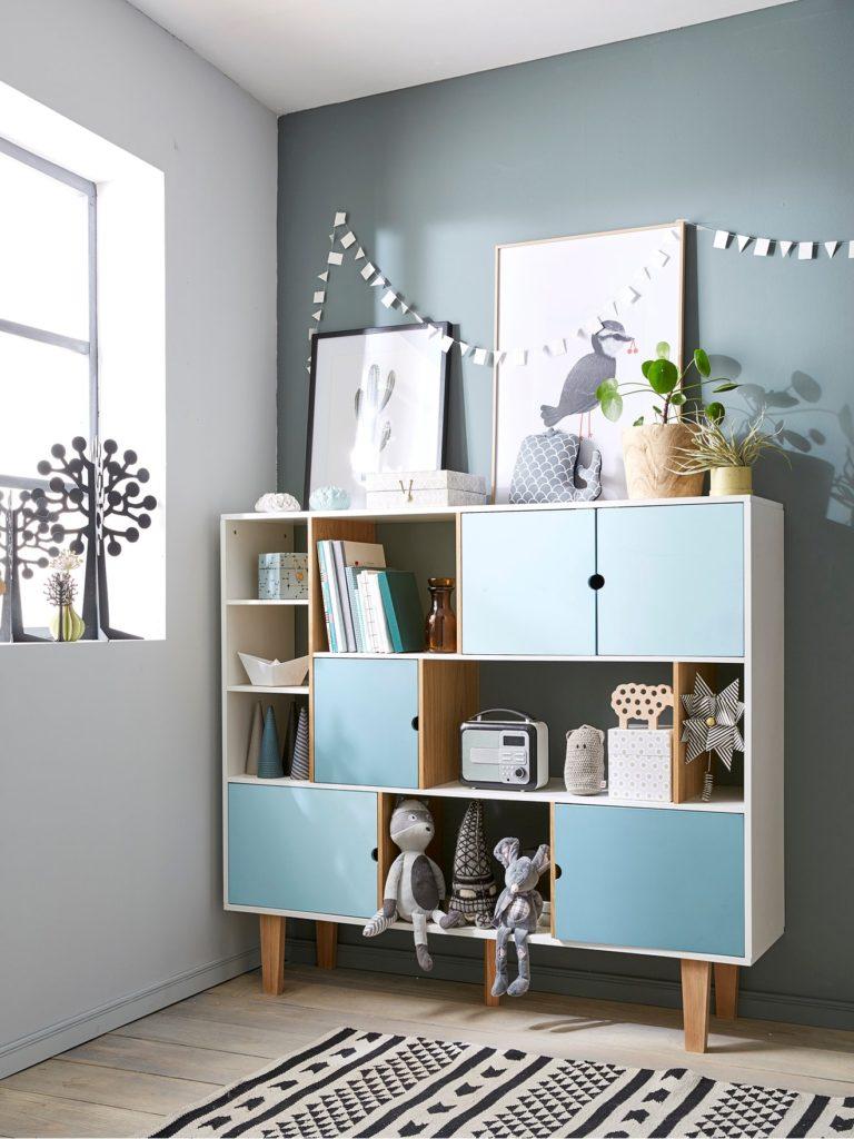 Une bibliothèque design pour la chambre enfant