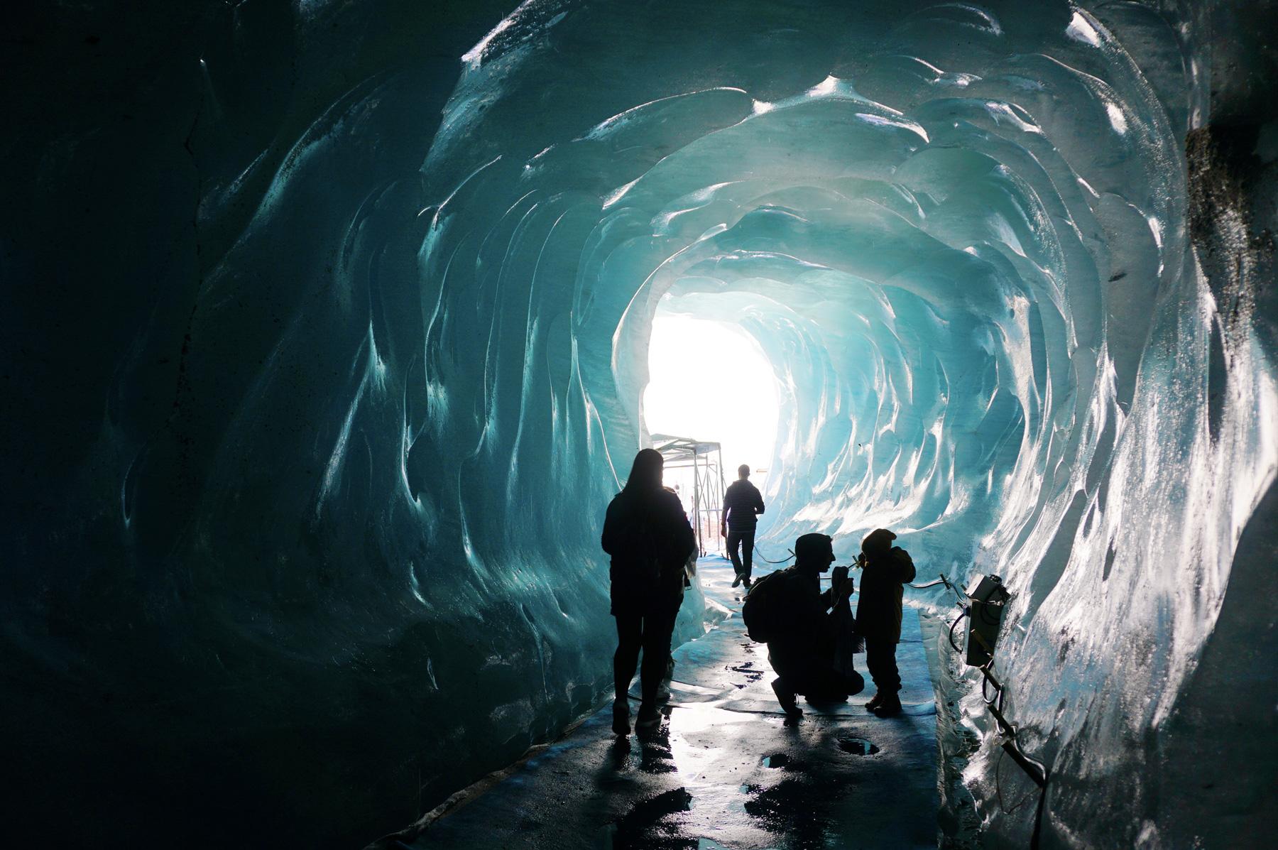 A l'intérieur de la grotte de glace - Chamonix