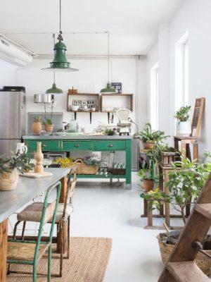 Brocante : chiner en ligne du mobilier et de la déco vintage