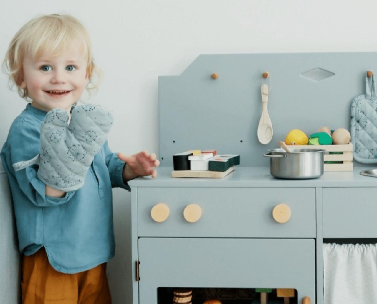 Modeles De Cuisine En Bois Rouge cuisine en bois enfant : ma sélection de cuisine jouet en bois