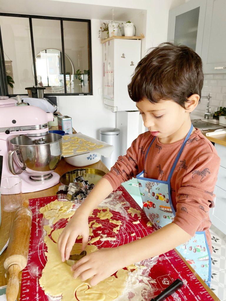 Recette facile et rapide des sablés de Noël à faire avec les enfants