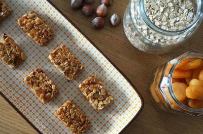 Recette barres céréales maison abricots et noisettes