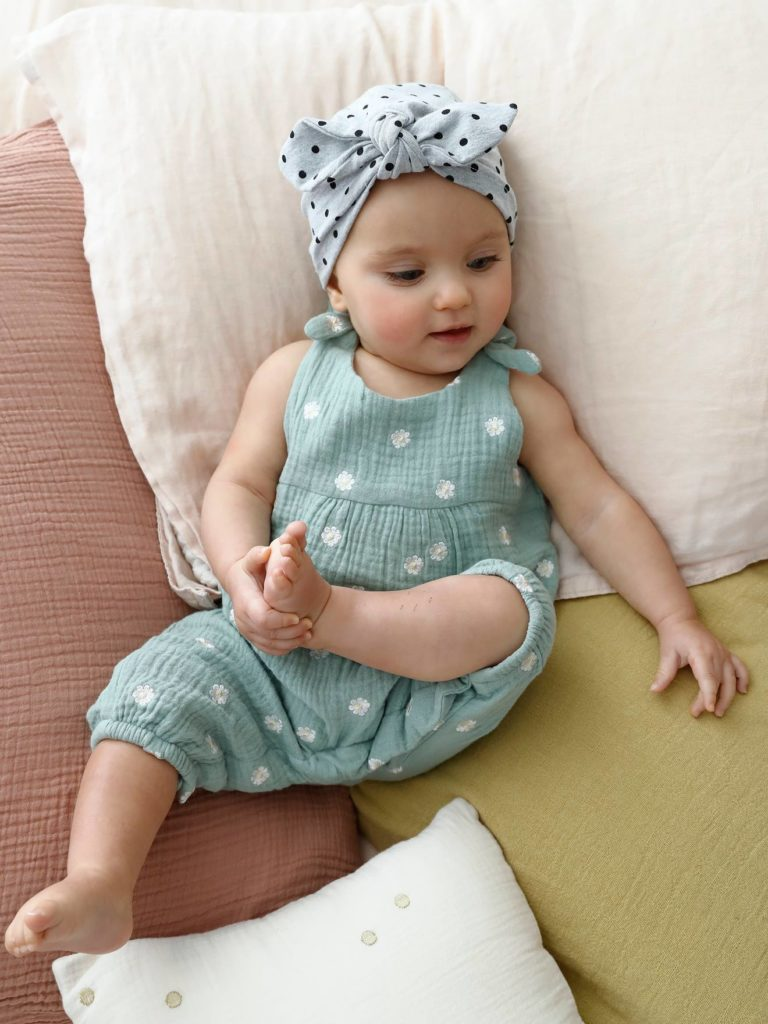 combinaison bebe naissance brodee en gaze de coton